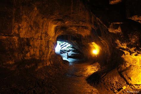 Exploring the Inside of K?lauea's Lava Tube   InACents.com