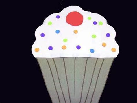 Papercraft Cupcake - manualidades de papel tarjeta en forma de pastelito