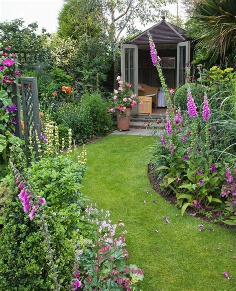 15 beautiful small cottage garden design ideas for