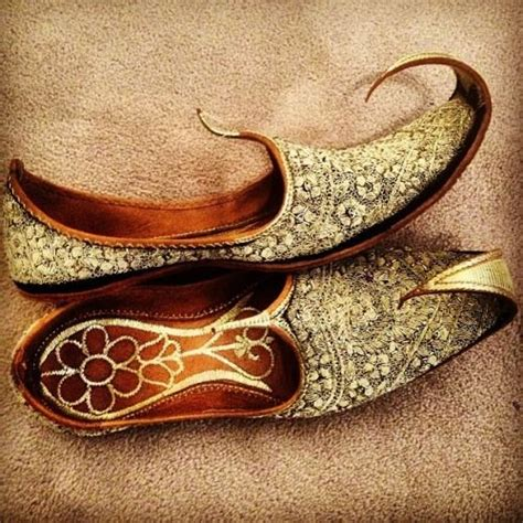 libro the magic carpet slippers 8 best flying carpet images on carpets magic carpet and aladdin