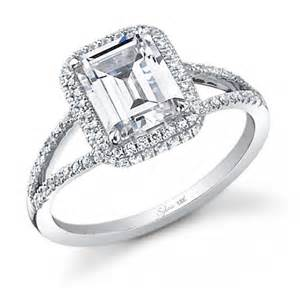 Jewelry fashion and celebrities 5 carats diamond engagement ring