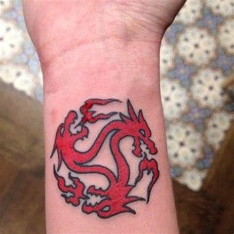 dragon tattoo wrist 18 amazing wrist tattoos