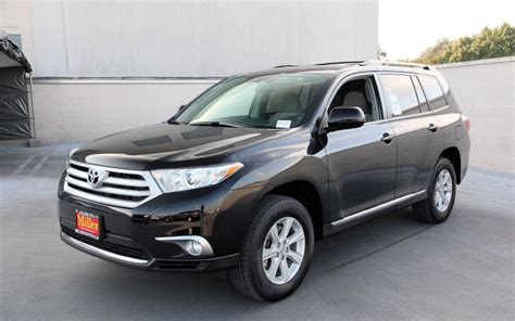 Toyota Of The Black Toyota Highlander Wallpapers A Well Designed Suv With