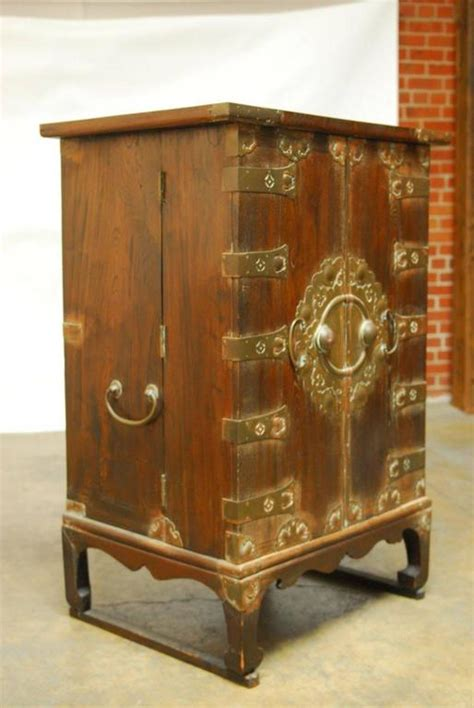 Korean Cabinet Furniture by Korean Caign Style Secr 233 Taire Cabinet Chest With Desk