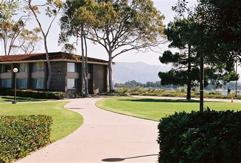 Ucsb Housing by Ucsb Dorms On The Www Imgkid The Image Kid