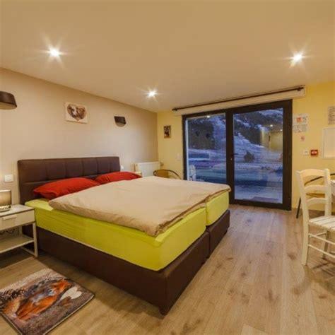 chambre hotel 4 personnes chambre pmr de 1 224 4 personnes alpina aquarelax hotel