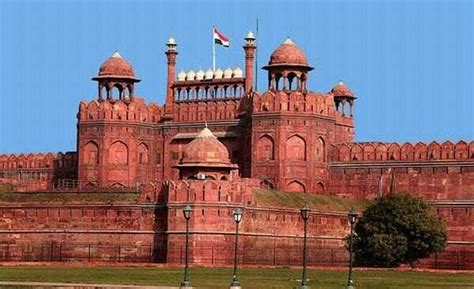Miles Redd 10 historical monuments in delhi famous monuments in