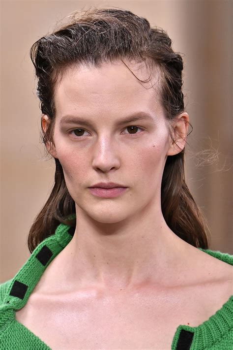 Looks Of The Week by Fashion Week Aw17 All The Best Backstage Hair Looks
