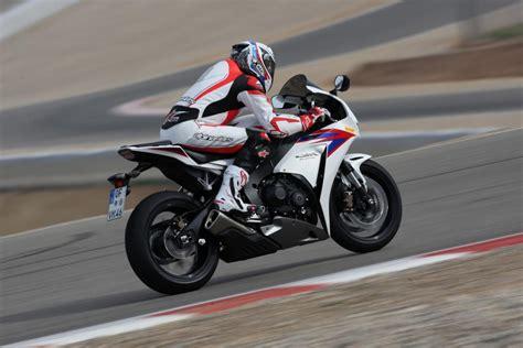 superbike honda cbr superbike vergleichstest honda cbr 1000 rrfireblade