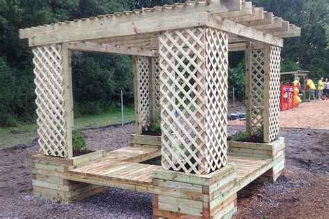 How To Build A Planter Bench by How To Build A Planter Bench Shade Structure Kaboom