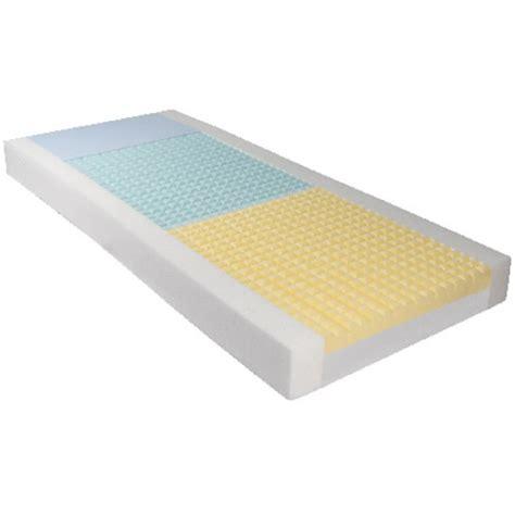 materasso ventilato intero in poliuretano espanso quattro