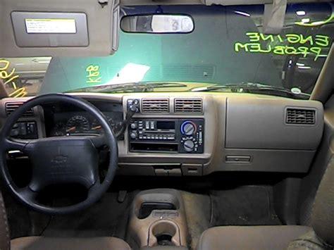 manual cars for sale 1996 chevrolet blazer interior lighting 1996 chevy s10 blazer interior rear view mirror 5 96 lt plain 2598991 267 gm8396