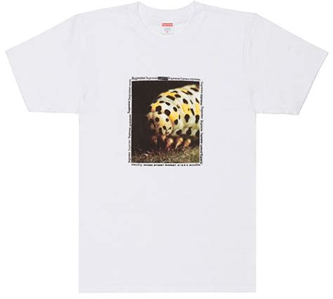 Kaos T Shirt Supreme Dover Market dover market is collaborating with supreme bape