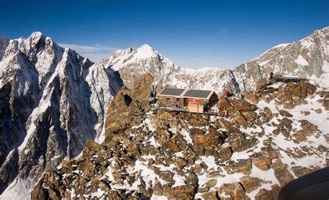 banca sella sud il restauro della capanna q sella ai rochers monte