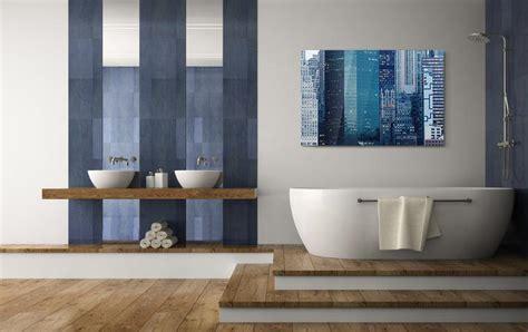 badezimmer farbig gestalten badezimmer gestalten mit wandbildern whitewall