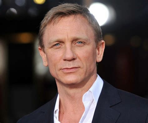 Daniel Craig Hairstyle by Daniel Craig Hairstyle Makeup Suits Shoes And Perfume