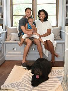 libro ayeshas gift a daughters watch out riley nba player stephen curry and his wife ayesha welcome a new baby to their