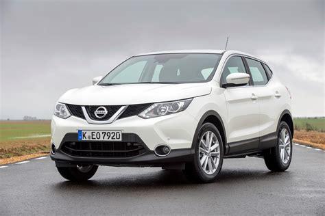 nissan family car qashqai named safest small family car of 2014 nissan