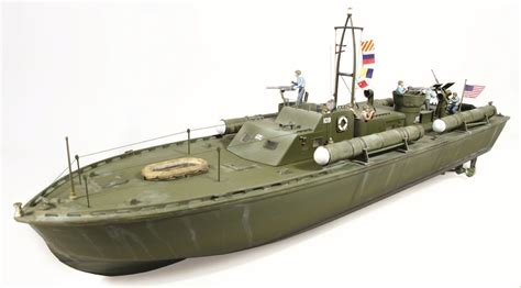 jfk pt boat 1 32 pt 109 john f kennedy torpedo boat model kit at