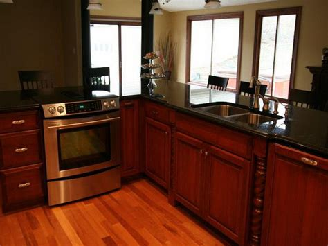 cabinet refacing cost  factors   traba homes