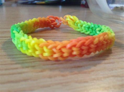 rainbow loom inverted fishtail rainbow looms   pinterest colors loom  love