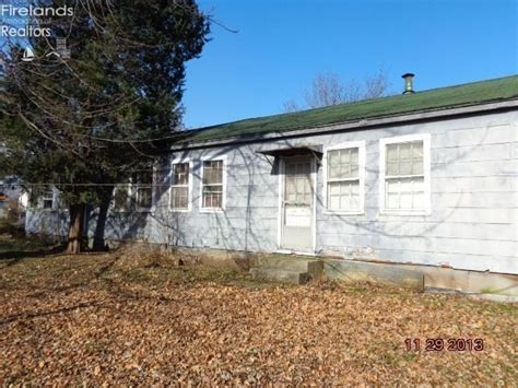 Houses For Sale In Port Clinton Ohio 328 superior ct 328330 superior ct port clinton ohio