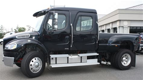 freightliner business class m2 up