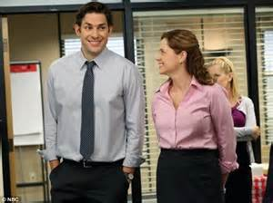 Who Plays Pam In The Office by Krasinski Unveils His Muscular New Physique Daily