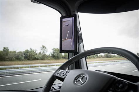 future mercedes truck mercedes benz unveils future truck 2025 video