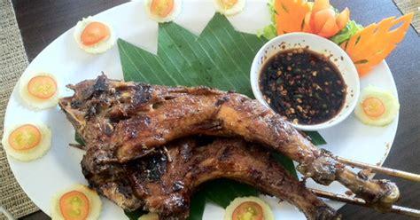 Ayam Panggang Inns Ragunan lezatnya ayam bakar di resto berkonsep pesawat ini