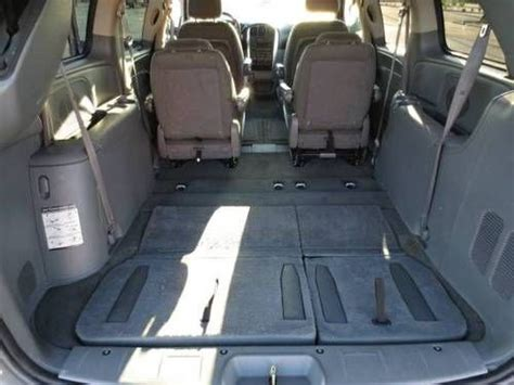 stow and go seating vehicles buy used 2005 chrysler town country touring w power