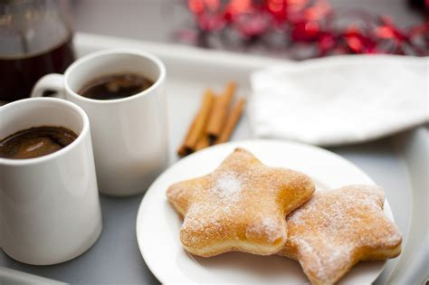 Free Stock Photo 8493 Christmas coffee break   freeimageslive