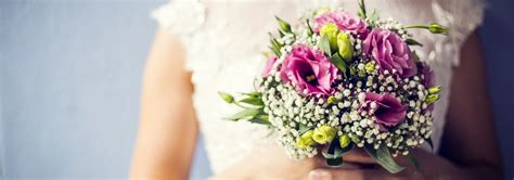 Wedding Flowers Ideas Uk by Wedding Flowers A Guide To Bridal Bouquets Florists