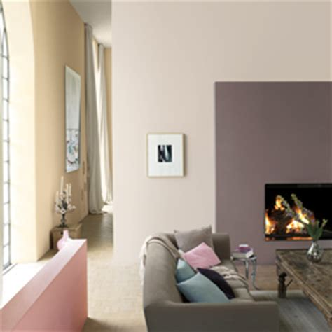 dulux uk equivalent or similar for the wall colour www