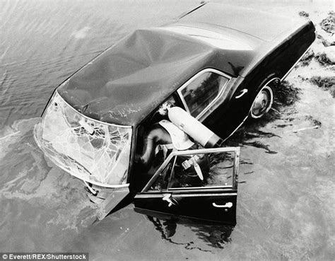 Chappaquiddick Land Bridge Matthew Perry Will Play Senator Ted Kennedy In Reelz S New Miniseries The Kennedys After
