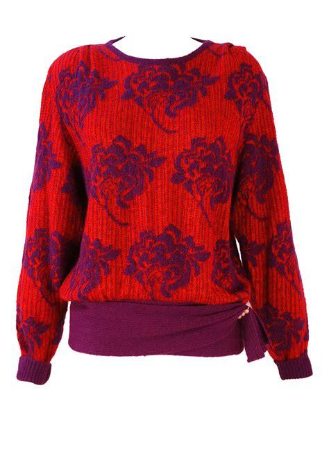 flower jumper pattern vintage 1980 s red and purple floral pattern jumper m l