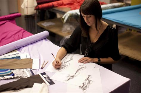 Fashion Designer Education And by Bachelor Of Apparel And Shoe Design Degree Programs