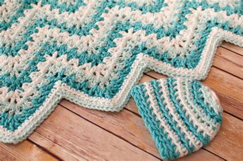 Crochet Ripple Baby Blanket Pattern by Gentle Ripple Baby Blanket And Hat Crochet Pattern