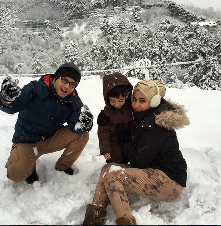 Liburan Keluarga Bubuk Salju Buatan serunya liburan keluarga kurniawan di luar negeri merahputih