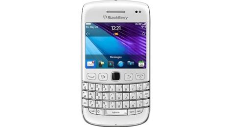 themes blackberry 9790 blackberry bold 9790 in white now available in the uk