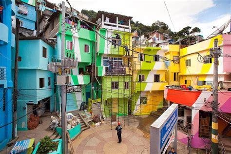 couleurs  favela news street art  graffiti fatcap