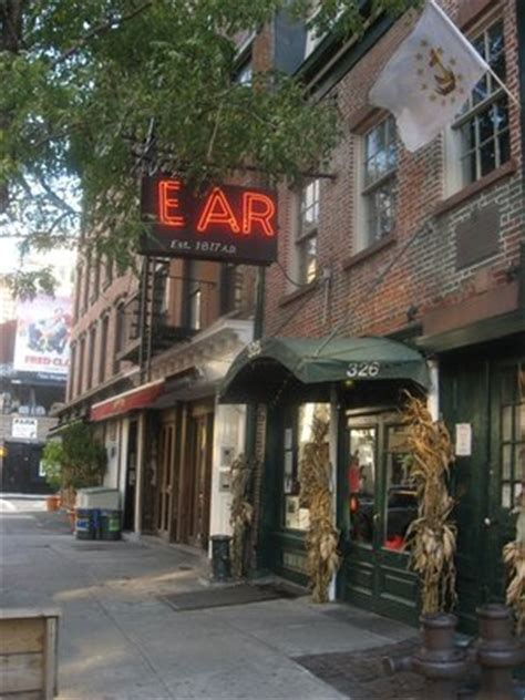 Soho House Nyc Dress Code by Ear Inn The Drink Nyc The Best Happy Hours Drinks