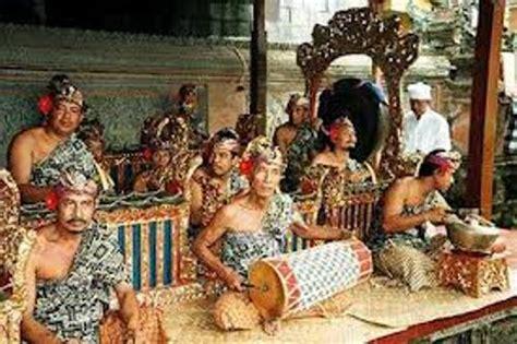 10 Facts about Balinese Gamelan   Fact File