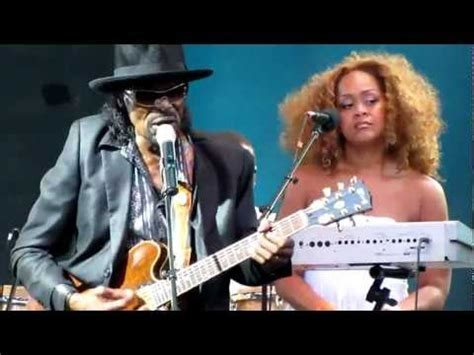 chuck brown gogo swing chuck brown it don t mean a thing if it don t have the
