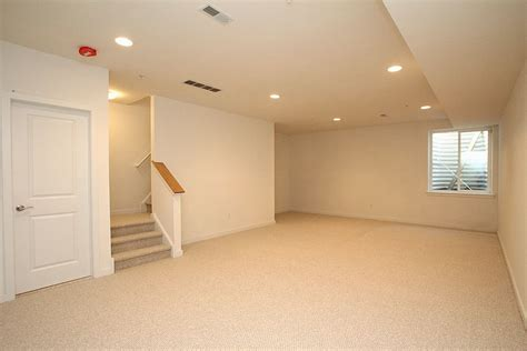 What Color To Paint Walls With Beige Carpet Carpet Finish Basement Walls