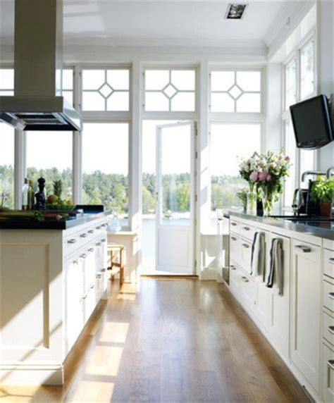 Pictures Of Kitchens With Antique White Cabinets by White Kitchen Cabinets For The Most Timeless Kitchen