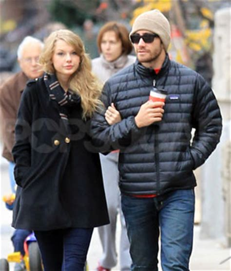 taylor swift and jake gyllenhaal scarf jake gyllenhaal and taylor swift break up popsugar celebrity