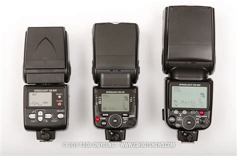 comparison review   nikon sb  speedlight