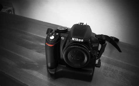 Grip Kamera Nikon D3100 nikon d3100 with battery grip by thextremesoundz on deviantart