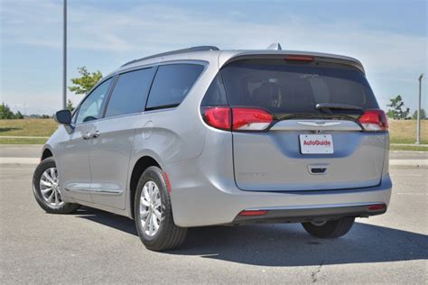 08 Chrysler Pacifica by 2017 Chrysler Pacifica Review Autoguide News